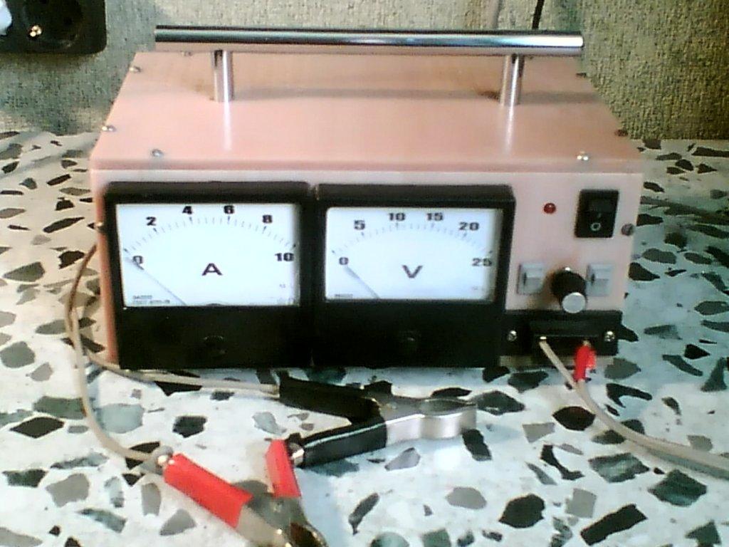 схема зарядного устройства 12 вольт 4,2а